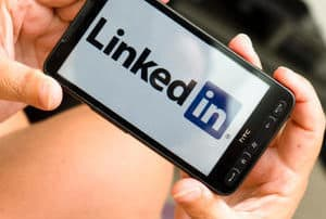 LinkedIn-best-time-supply-chain-job-search